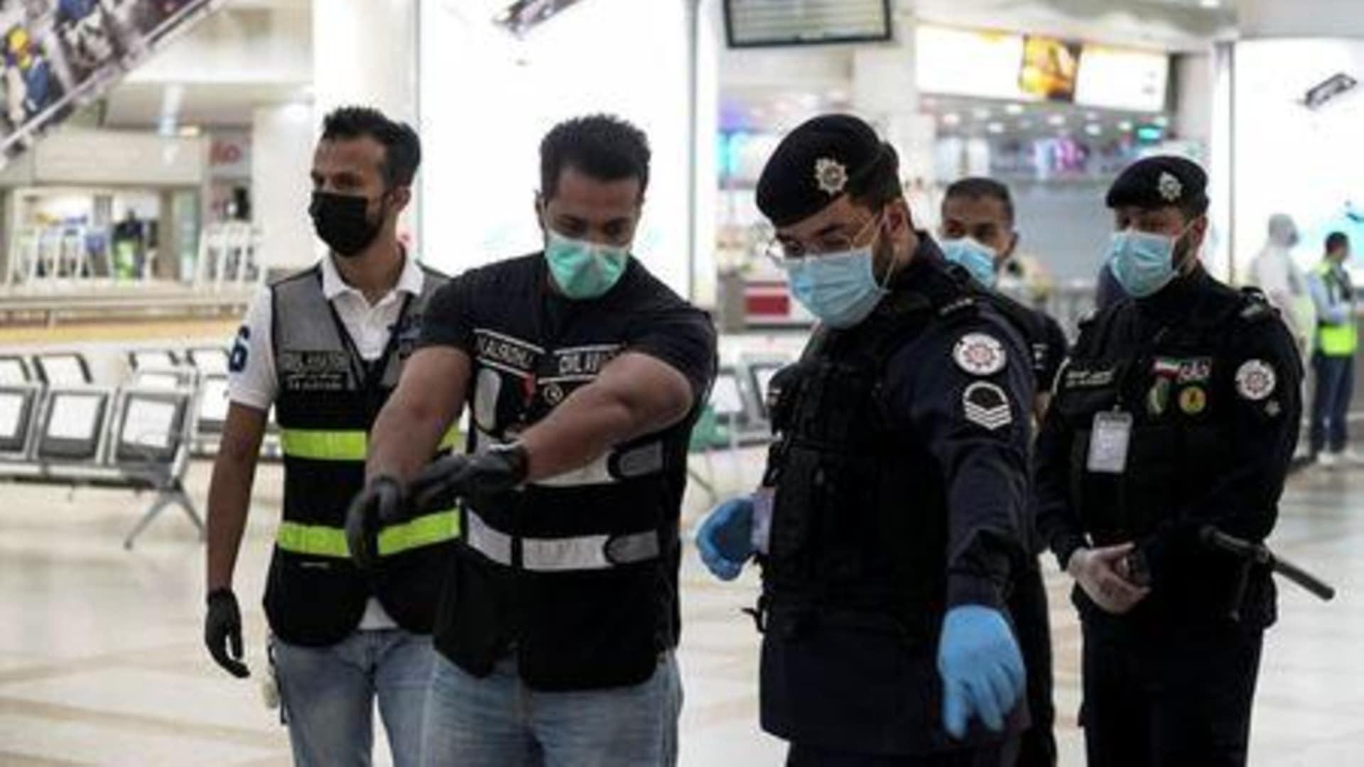 كيفية إصدار تصريح خروج أثناء الحظر بالكويت.. الخطوات والشروط