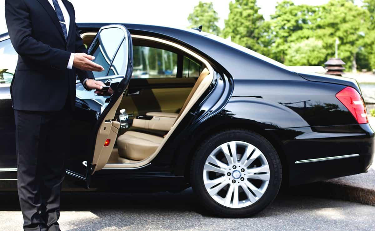 تسديد رسوم تجديد إقامة سائق خاص